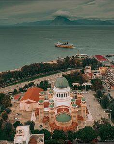 Πάτρας-Greece Greek Beauty, Paris Skyline, Taj Mahal, Greece, Patras, Building, Travel, Beautiful, Greece Country