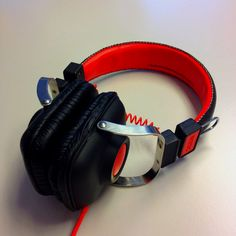 Can't live without this amazing headphones.