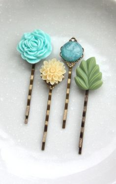 Flower Hair Bobby Pins Cream Ivory Mum Flower Blue