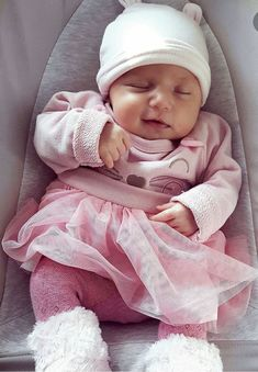 Find images and videos about cute, baby and child on We Heart It - the app to get lost in what you love. Cute Baby Girl, My Baby Girl, Cute Babies, Cute Little Baby, Baby Kind, Foto Baby, Cute Baby Pictures, Reborn Baby Dolls, Cute Baby Clothes