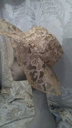 Lovely 1930's lace crin wide brimmed wedding hat.