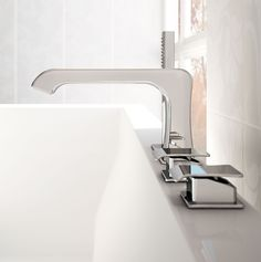 Four-hole deck-mounted bath mixer with diverter and shower set, Chrome finishing