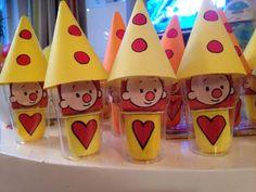 traktatie peuter danoontje - Google zoeken Birthday Candy, Birthday Treats, Party Treats, Boy Birthday, Birthday Quotes, Diy For Kids, Crafts For Kids, Dora, Class Decoration