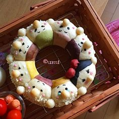 3Dちぎりパン - 3d chigiri pan - 3d bread- snow white & 7 dwarfs bread... This is a piece of food art?? Bento?