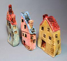 Kleine Keramik Häuser Miniatur bunt einzigartig von BadDogCeramics