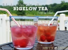 Use Tea Ice Cubes and Fresh Fruit for a Refreshing Drink #summerfun #drinkbigelow #recipes