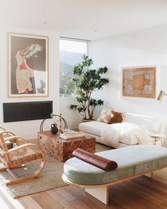 Modern furniture and home decor. Explore the latest looks from – and discover modern furniture that's sleek, chic, functional and comfortable. Living Room Inspiration, Interior Design Inspiration, Living Room Decor, Living Spaces, Boho Home, Deco Design, Home Interior, Modern Interior, Home Decor Styles