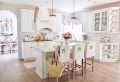 A beautiful vintage glam home tour, set in Minnesota. There is so much to see in this home including a mix of vintage glam, farmhouse chic. Kitchen Interior, Kitchen Decor, Kitchen Ideas, Minnesota, Pastel Home Decor, Home Nyc, Glam House, French Furniture, Modern Furniture