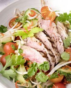 Gegrilde steak met Thaise limoen-korianderdressing en rijst
