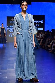 Tahweave Featuring a blue and white striped jumpsuit in khadi silk base. Celebrity Closets, Designer Jumpsuits, Indian Fashion Designers, Pernia Pop Up Shop, Striped Jumpsuit, Summer Wear, Western Wear, Designer Wear, Indian Outfits