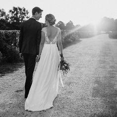 Back to glam ( Julie, Wedding Dresses, Instagram, Photos, Fashion, Backless Wedding Dresses, Bra, Bride Dresses, Moda