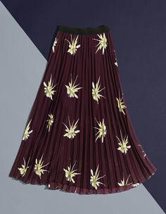 Höstens nya kollektion: blommiga klänningar, plisserade kjolar, polotröjor…