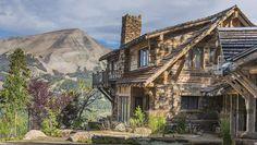 Justin Timberlake et Jessica Biel déménagent dans le Montana Mountain Modern, Mountain Living, Jessica Biel, Justin Timberlake, Montana, Log Cabin Exterior, Multi Million Dollar Homes, Yellowstone Club, Log Cabin Kits
