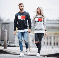 Tommy hilfiger / Tommy jeans sweater couple matching Tommy Hilfiger / Tommy Jeans Pullover Paar passend The post Tommy Hilfiger / Tommy Jeans Pullover Paar passend & Couple appeared first on Mode für männer . Mode Tommy Hilfiger, Tommy Hilfiger Outfit, Tommy Hilfiger Sweater Men, Stylish Men, Men Casual, Casual Outfits, Matching Couple Outfits, Matching Couples, Herren Outfit