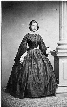 Womens Dress 1850s Victorian