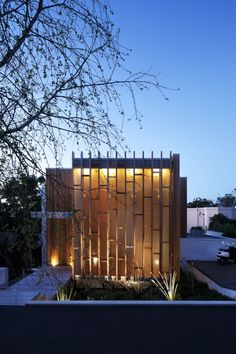 Brown Vujcich House by Bossley Architects #designinspiration #TheShirtCompany