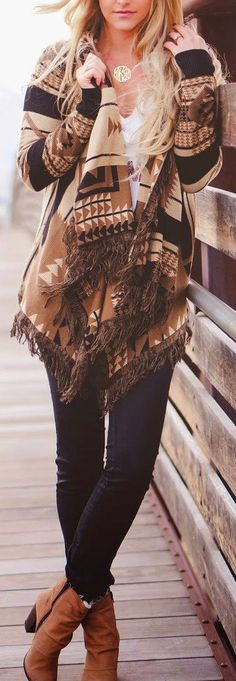 STYLE INSPIRATIONS - oversized cardigan with skinny jeans and brown leather boots.