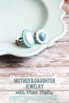 Mother & Daughter Jewelry with Mod Melts at SweetRoseStudio.com! #DIY #jewelry #cabachon