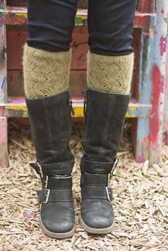 Ravelry: ZigZagging Leg Warmers pattern by Roxanne Villemaire