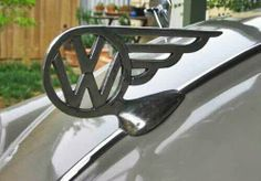 VW Hood Ornament Volkswagen, Vw T, Auto Logos, Car Logos, Car Hood Ornaments, Radiator Cap, Car Badges, Wheels On The Bus, Vw Bugs