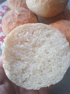 Egyszerűen imádok zsemlét sütni! A bélzete puha, kívül pedig ropogós - Ketkes.com Bread Rolls, Macarons, Hamburger, Food And Drink, Cooking, Cake, Cuisine, Kitchen, Rolls