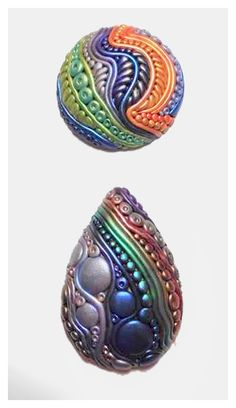 Jael Thorp doodles in polymer clay, demonstrated by her extremely detailed cabochon beads, as seen on The Polymer Arts blog, http://www.thepolymerarts.com/blog/9467