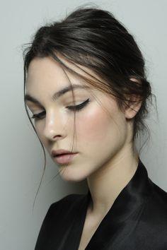 dolce-and-gabbana-makeup-fall-2014