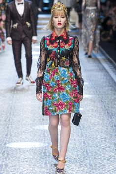 Dolce & Gabbana Fall 2017 Ready-to-Wear Collection Photos - Vogue