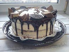 🍰 Торт на 10-летие моего племянника.  Внутри красный бархат, покрыт сливочным кремом и потеки из шоколадного ганаша 🍫 #redvelvet #dessert #desserts #yummy #yum #homemade #thecakeblog #homebaked #almaty #happybirthday #thebakefeed #homebaking #andychef #эндишеф #thefeedfeed #homebaker #chocolate #красныйбархат #домашняявыпечка #домашнийкондитер #кчаю #сладкое #десерт #десерты #деньрождения #шоколад #алматы