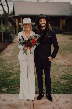 Intimate Nashville Wedding at Arrington Vineyards Trendy bride and groom in black and white. Bride in pant suit with boho hat Black Suit Wedding, Wedding Pants, Wedding Dress Suit, Bride Suit, White Wedding Dresses, Dress Suits, Wedding Attire, Bride In Black, Best Wedding Suits For Groom