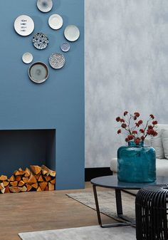 blog-image-blue-monday-vc-1b Dining Room Walls, Living Room Decor, Living Room Kitchen, Plate Wall Decor, Plates On Wall, Hanging Plates, Fireplace Remodel, Fireplace Accessories, Dining Room Inspiration