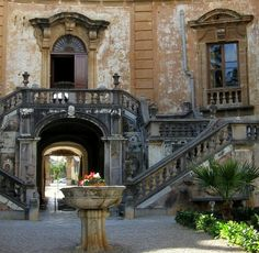 Courtyard, Palermo, province of palermo region of Sicily, Italy