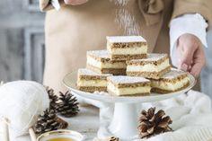Parížske tyčinky: Dobroty ako pod snehovou perinou Vanilla Cake, Camembert Cheese, Place Card Holders, Med, Desserts, Tailgate Desserts, Deserts, Postres, Dessert