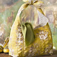 Un sac fleuri en boutis et furoshiki - Marie Claire Idées