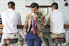 Beginner's Guide to Italian Men's Style The Italian art of stylish nonchalance—slim suits, bare ankles and provocative color combinations—is steadily influencing American style. How you can mix and match like the best of them http://online.wsj.com/article/SB10001424127887323740804578600161067576062.html