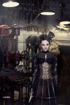 Steampunk its more than an aesthetic style, it's the longing for the past that never was. In Steampunk Girls we display professional pictures, and illustrations of Steampunk, Dieselpunk and other anachronistic 'punks. Steampunk Cosplay, Mode Steampunk, Style Steampunk, Victorian Steampunk, Steampunk Clothing, Steampunk Fashion, Victorian Fashion, Steampunk Outfits, Steampunk Female