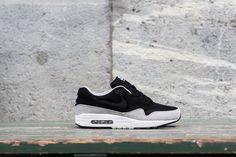 official photos 299c8 d71a4 Nike Air Max 1  Black   Flint Silver  Nike Läufer, Billige Nike Air