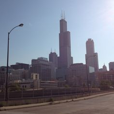 ALWAYS Sears Tower! Chicago Places To Visit, Willis Tower, Places Ive Been, Building, Travel, Viajes, Buildings, Destinations, Traveling