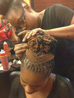 Dreadlocs up do
