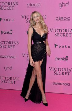 Lily Donaldson Photos - Lily Donaldson attends the pink carpet of the 2014 Victoria's Secret Fashion Show on December 2014 in London, England. - Arrivals at the Victoria's Secret Fashion Show Victoria Secret 2014, Victoria Secret Angels, Victorias Secret Models, Victoria Secret Fashion Show, Lily Donaldson, Vogue Fashion, Fashion Models, Trending Celebrity News, Celebs Go Dating