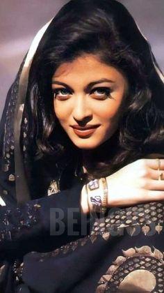 Aishwarya Rai Young, Aishwarya Rai Pictures, Actress Aishwarya Rai, Aishwarya Rai Bachchan, Girls Frock Design, Frocks For Girls, Gorgeous Hair, Beautiful, Miss World