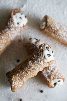 Classic Homemade Cannoli — Cooking with Cocktail Rings Cannoli Dip, Cannoli Filling, Cannoli Cream, Cannoli Recipe, Cannoli Dessert, Homemade Cannolis, Homemade Desserts, Cookie Desserts, Homemade Marshmallows