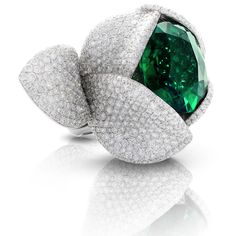 GiardiniSegreti Cocktail Ring Ring from « Le Bal Des émeraudes » Pasquale Bruni Fine Jewelry ollection in 18K white gold set with a 9.33 carat Oval-Cut Emerald and 905 Round Cut Diamonds (5.77 cts) | You can see the Rest of the Outfit and my Remarks on this board. - Gabrielle