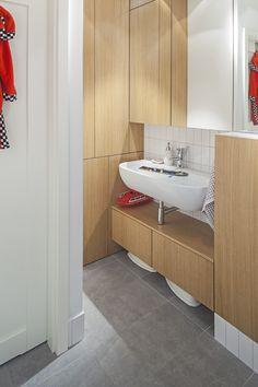 łazienka / bathroom our project #ideas #minimal #white #wood #red #greytiles #wnętrze #projektowanie #interiordesign #warsaw Minimal, Vanity, Bathroom, Dressing Tables, Washroom, Powder Room, Vanity Set, Full Bath, Single Vanities