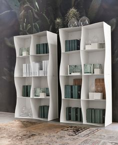 #Iron-ic #white #metal #bookcase. Ronda Design #madeinitaly