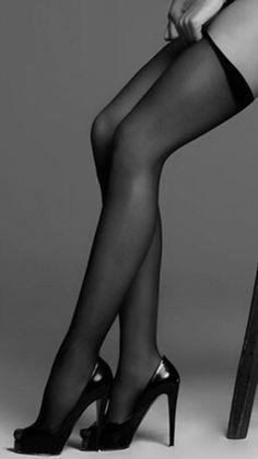 Порно в чулках туфли мобиль 10