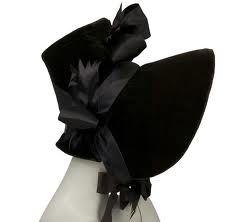 1830 blk velvet covered bonnet
