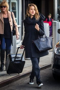 a65a490bc Jessica Alba was spotted wearing the brand new Le Pliage® Héritage from the  Longchamp Autumn 2014 collection.