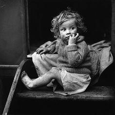 Credit: Jane Bown Gypsy child, Kent, 1961
