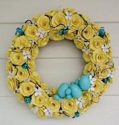Yellow and Blue Paper Rose Wreath Jesus Is Risen, Yellow Turquoise, Yellow Paper, Spring Is Here, Vintage Easter, Vintage Ornaments, Shabby Vintage, Paper Roses, Burlap Wreath